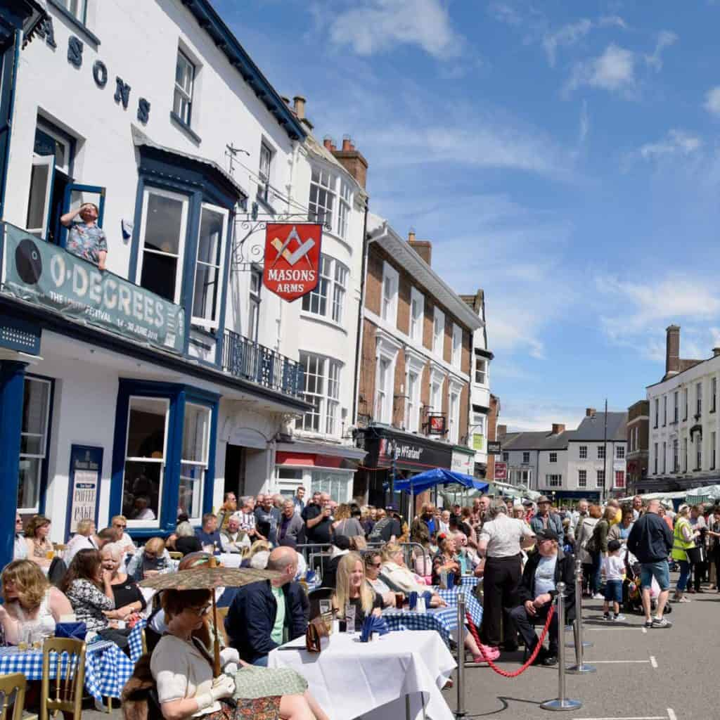 Vintage Day in the Cornmarket Louth - photo Chris Smith