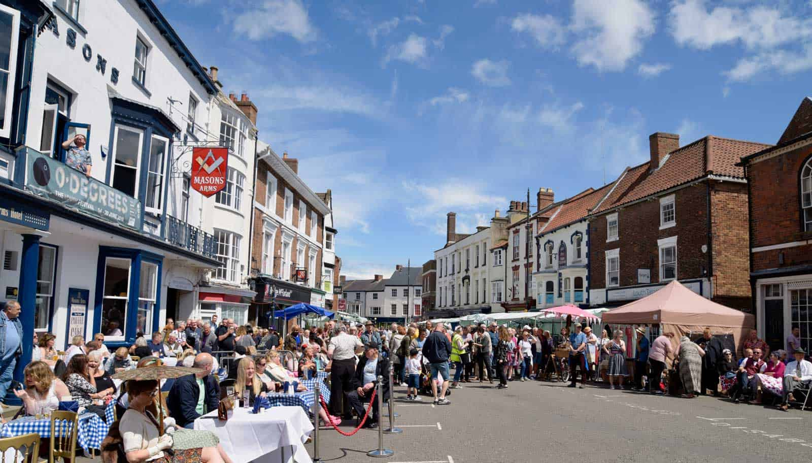 Vintage day 2019 crowds by Chris Smith